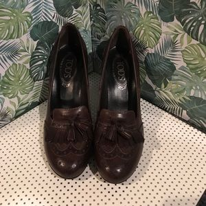 TODS LEATHER HEELS